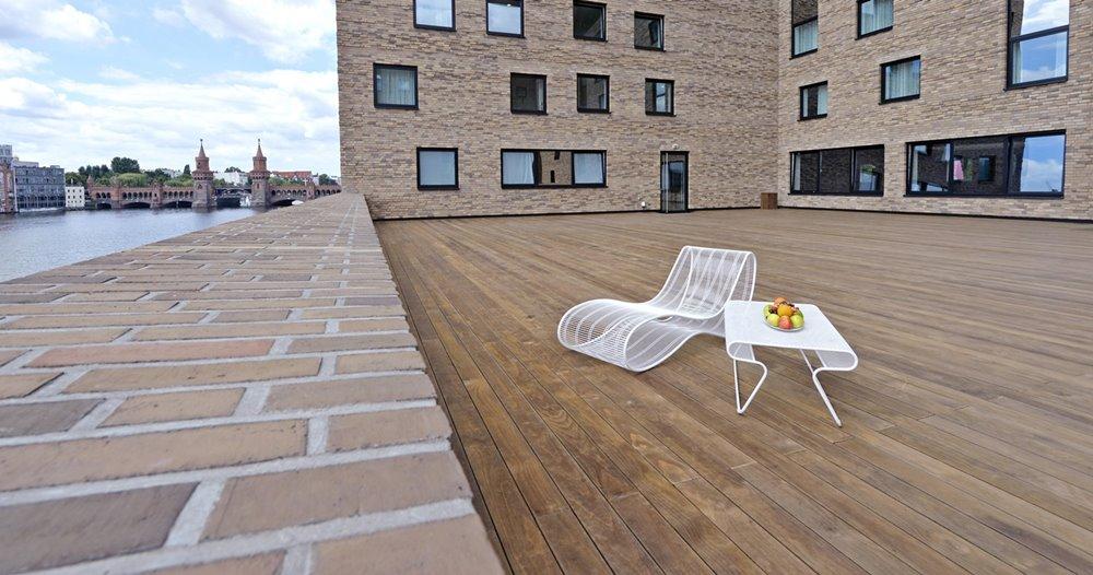 terrassen aus modifizierten h lzern maag holz und bau. Black Bedroom Furniture Sets. Home Design Ideas